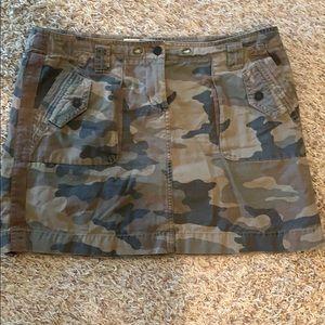 Camo cargo skirt